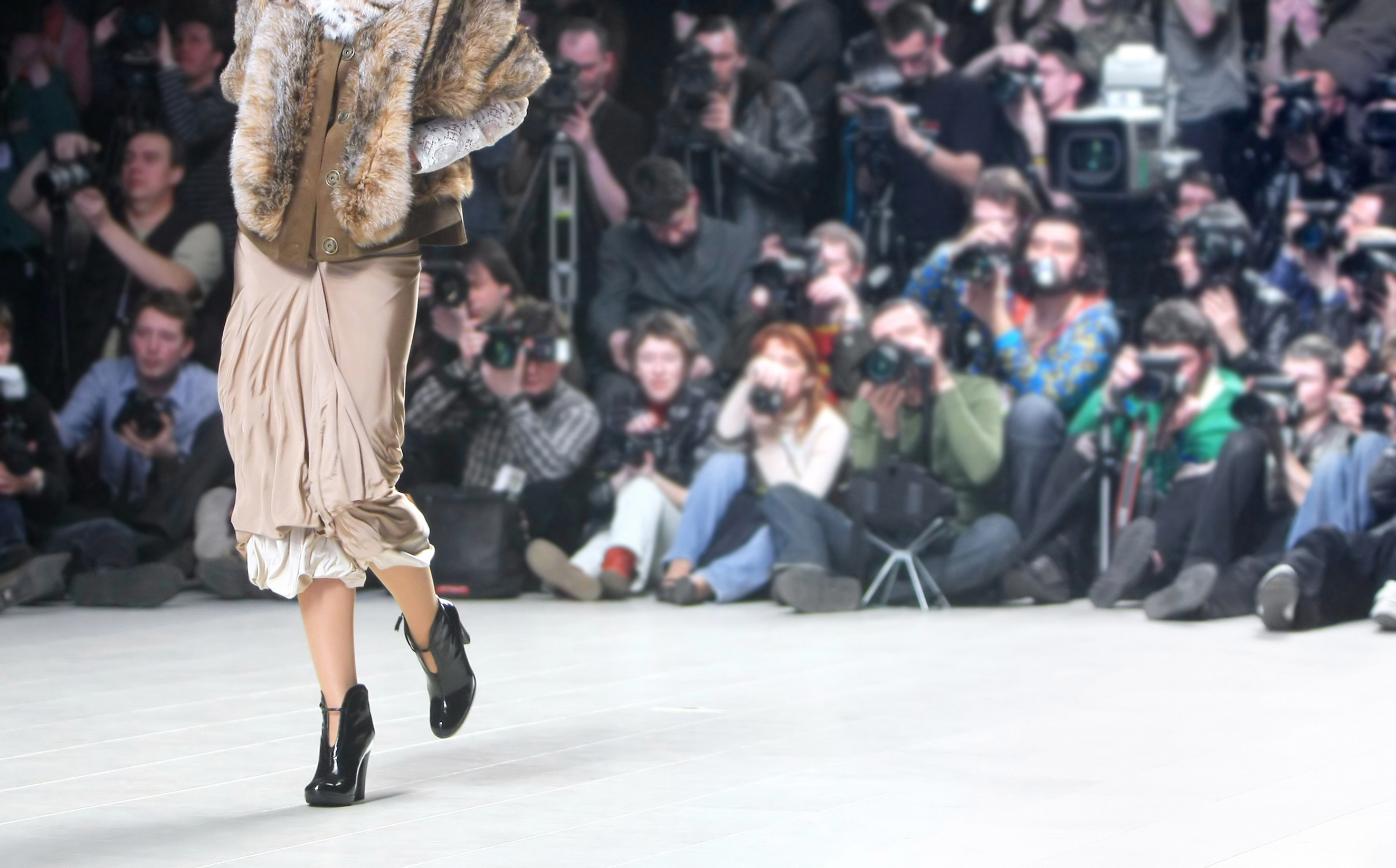 Fashion Week & Beyond: Stay In-The-Know With These 8 Fashion Sites
